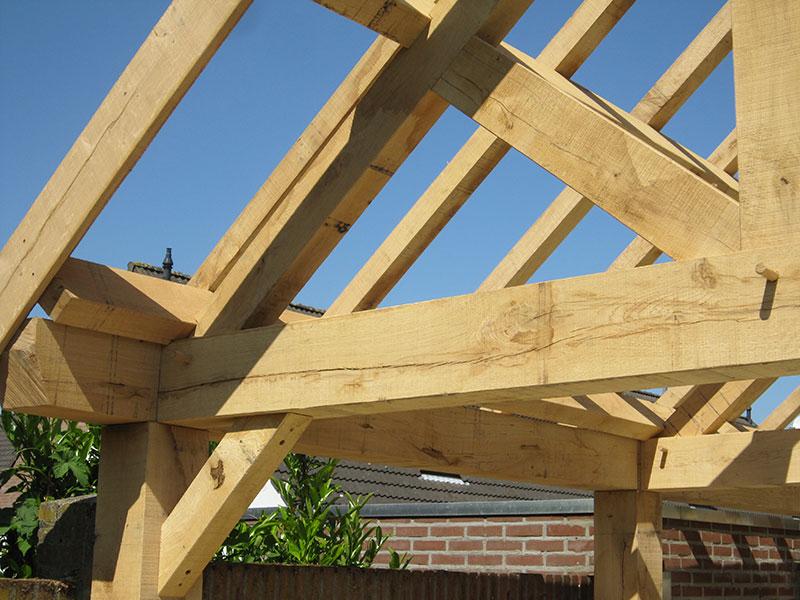 Hout voor overkappingen verkrijgbaar bij houtbedrijf Arn. Parren in Haelen
