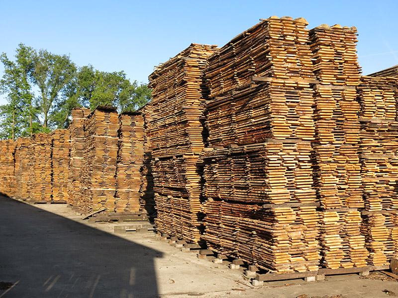 Meubelhout verkrijgbaar bij houtbedrijf Arn. Parren in Haelen
